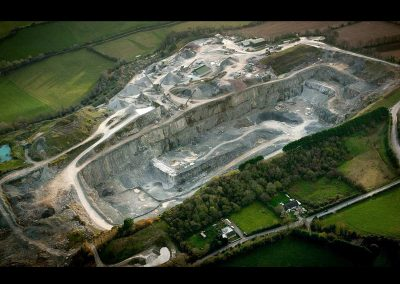 drone-film-quarry-closeup